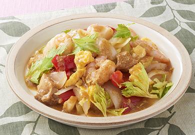 チキンと魚介のタイカレー炒め
