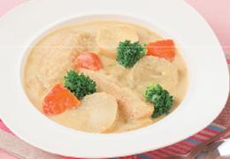 鶏肉と里いもの豆乳スープ カレー風味
