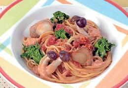 菜の花と帆立のトマトクリームスパゲティ