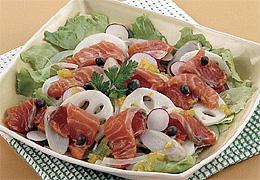 根菜とサーモンのサラダ