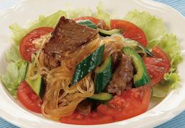 きゅうりと焼き肉のごちそうサラダ