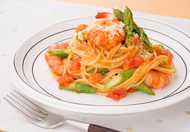 えびとフレッシュトマトのスパゲッティ