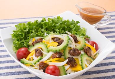 ゴーヤと赤貝のサラダ