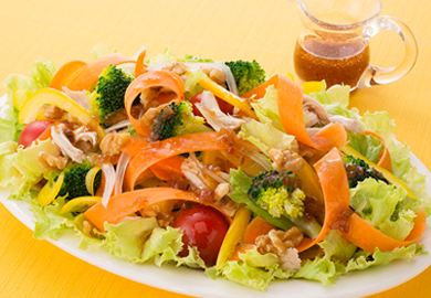 野菜たっぷりビタミンサラダ
