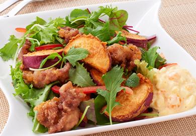 さつまいもと豚肉の揚げサラダ