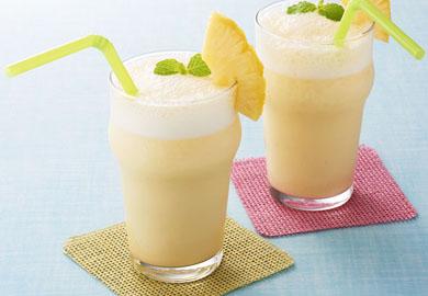 パインとバナナのシュワシュワジュース