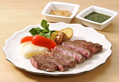 2種ソースのステーキ(エスニック、ピリ辛ごま)