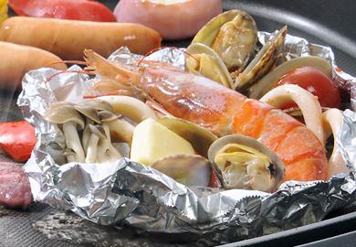 魚介のホイル包み焼き