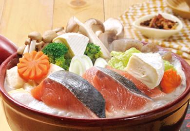 鮭とチーズのごま豆乳鍋