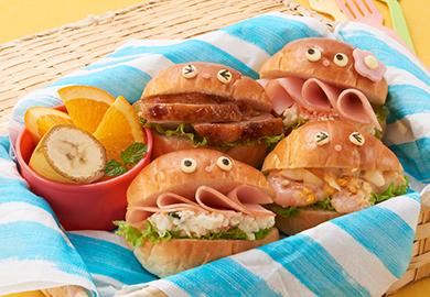 ロールパンのデコサンド3種(マーマレードチキン、えびタルタル、ハム&ポテサラ)
