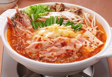 豚バラとチーズのキムチ鍋