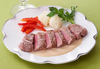 牛ステーキ 濃厚クリームソース