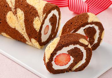 ハート柄のココアロールケーキ
