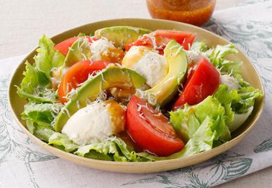 トマトとレタスのわさびじょうゆサラダ