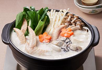 かきと手羽先の味噌ミルク鍋
