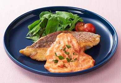 鯛のムニエル トマトクリームソース