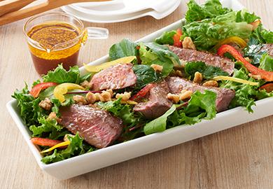 牛ステーキのグリルサラダ
