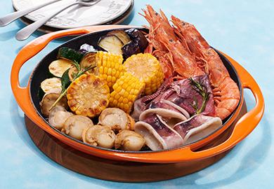 シーフードと夏野菜のハーブガーリックグリル