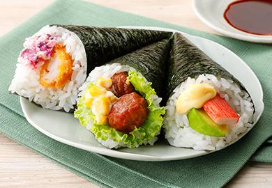 バラエティー手巻き寿司(えびフライ&しば漬けチーズ、ミートボール&マヨコーン、かに風味かまぼこ&アボカド)