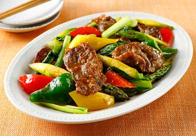 牛肉とカラフル野菜の炒め物