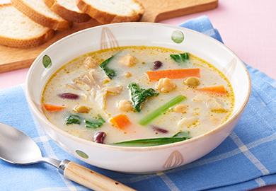 小松菜と豆のマカダミアミルクスープ